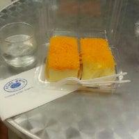 Photo taken at Cafe D'oro by ไผ่พระจันทร์ เ. on 12/27/2012