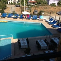 8/28/2013 tarihinde Muratziyaretçi tarafından Hotel Cypriot'de çekilen fotoğraf