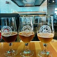 Photo prise au Ballast Point Brewing & Spirits par Tim H. le6/8/2015