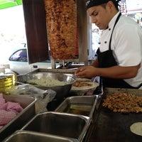 Foto tomada en Los Alteños por Tito C. el 11/22/2012
