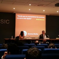 Foto tomada en ESIC Valencia por Begoña J. el 7/4/2013