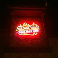 Das Foto wurde bei Blazing Onion Burger Company von Pete L. am 11/10/2012 aufgenommen