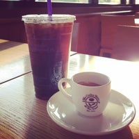 Photo taken at The Coffee Bean & Tea Leaf by George L. on 7/16/2015