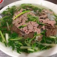 Foto diambil di Phở Thìn Bờ Hồ oleh Takayuki O. pada 8/29/2015