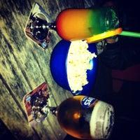 Foto tomada en Chops Cafe & Pub por Oguz K. el 12/18/2012
