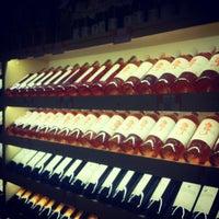 12/20/2012 tarihinde Oguz K.ziyaretçi tarafından Sensus Şarap & Peynir Butiği'de çekilen fotoğraf