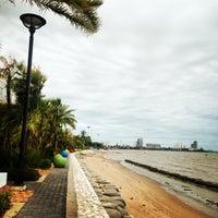 Photo taken at ชายหาดโรงแรมชลจันทร์ by นุ่มนิ่ม จ. on 7/18/2014