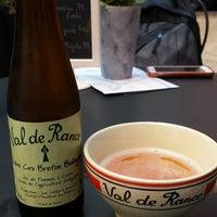 Photo taken at Café 35 by Radek on 9/14/2016