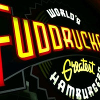 Photo taken at Fuddruckers by Feton A. on 7/21/2013