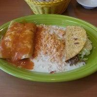Foto scattata a El Mexicano Restaurant da Brian W. il 5/16/2013