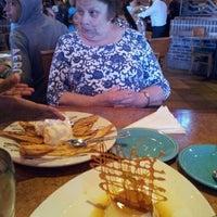 Foto tomada en La Parrilla Mexican Restaurant por Anita A. el 11/23/2012