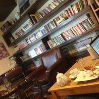 Das Foto wurde bei Homey's Café von Ivy T. am 7/1/2013 aufgenommen