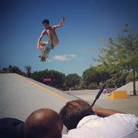 Photo taken at Skate Parc Hyères by Loïc L. on 8/9/2013