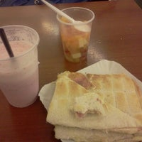 Photo taken at Al Oeste Shopping by Camila C. on 2/1/2013