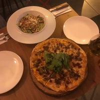 9/12/2018 tarihinde Mohammed A.ziyaretçi tarafından Zucca Pizza'de çekilen fotoğraf