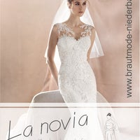 Das Foto wurde bei La novia, Hochzeitsmode für Braut & Bräutigam von La novia, Hochzeitsmode für Braut & Bräutigam am 3/1/2017 aufgenommen