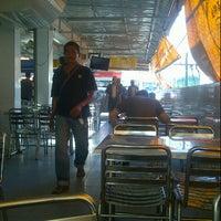 Photo taken at Nasi Kandar Pelita by T A. on 11/22/2012