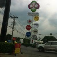 Photo taken at The Circle Ratchapruk by Kazu I. on 11/16/2012