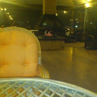 Photo taken at Cafe di Venedik by Furkan A. on 3/23/2013