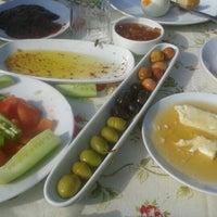 11/24/2012 tarihinde Sevgi G.ziyaretçi tarafından Zeytindalı Kahvaltı Evi'de çekilen fotoğraf