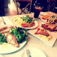 3/9/2013에 Hyunseung Y.님이 PARIS CROISSANT Café에서 찍은 사진