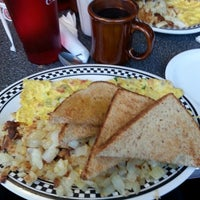 Photo taken at Fleetwood Diner by Vicky J. on 9/22/2013