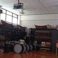 Photo taken at ห้องดนตรี โรงเรียนมาบอำมฤตวิทยา by นิธิศ ส. on 7/29/2013