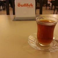 Foto diambil di Özdilek Bursa Geçit AVM oleh Sertaç İ. pada 7/4/2013