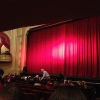 Photo prise au Athenaeum Theatre par Victoria le12/24/2012