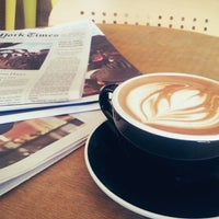 Foto tirada no(a) Cafe Grumpy por Brent C. em 3/10/2013