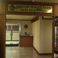 Photo taken at Kantor Pengolahan Data Eksternal - Direktorat Jenderal Pajak by Furqon N. on 10/29/2013