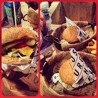 9/5/2013 tarihinde Burcu U.ziyaretçi tarafından Burger House'de çekilen fotoğraf