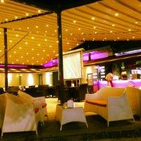 รูปภาพถ่ายที่ Cafe de mola โดย Serdar G. เมื่อ 6/16/2013