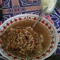 Photo taken at Lontong Kupang Pak Samad by Abdillah F. on 12/1/2012