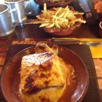 Photo taken at Tappas Caffé by Eduardo T. on 4/13/2013