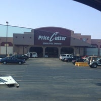 Photo taken at Price Cutter Plus by ¢αѕѕαи∂яα α. on 7/23/2013
