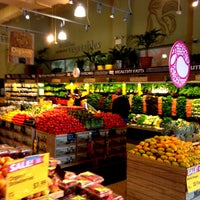 Photo prise au Whole Foods Market par Peter R. le4/24/2013