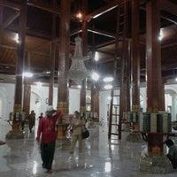 Photo taken at Masjid Agung Sunan Ampel by M. Chafid W. on 11/21/2012