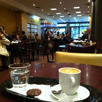 Photo taken at Havanna by Alessandra T. on 10/11/2012