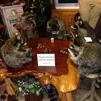 Photo taken at Woodland Creek Furniture & Gallery by TheMtnLioness on 12/30/2013