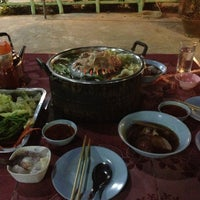 Photo taken at ลำภูเนื้อย่างเกาหลี by Max Z. on 10/23/2012