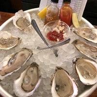 Foto scattata a Saltie Girl Seafood Bar da Zack C. il 3/30/2018