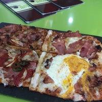 Foto tomada en Natura Pizza & Pasta por Oscar R. el 2/14/2017