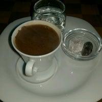รูปภาพถ่ายที่ Caffe Sydney โดย Çinar C. เมื่อ 2/25/2017
