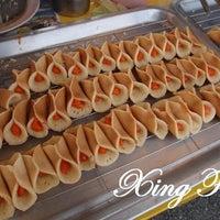 Photo taken at Pasar kampung cina by Zarif S. on 4/5/2014