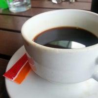 Photo taken at Avista Café by Medo R. on 10/31/2012