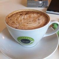 Снимок сделан в Чашка кофе пользователем Мария Я. 5/18/2013
