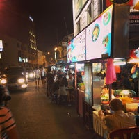 Photo taken at Chulia St. Night Hawker Stalls by Chy Weng on 7/20/2013