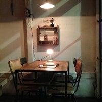 รูปภาพถ่ายที่ Sajilo Cafe โดย Tomoyuki I. เมื่อ 11/9/2012