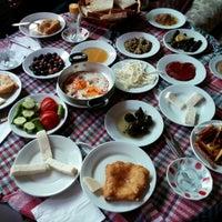Photo prise au Hacı Arif Osmanlı Sofrası par Orhan K. le6/11/2014
